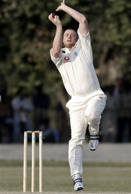 Andrew Flintoff in his bowling stride