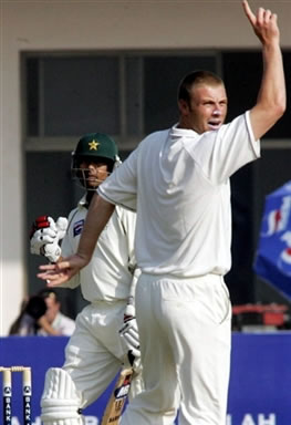 Andrew Flintoff successfully appeals against Mohammad Sami