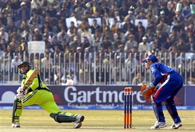 Shahid Afridi plays a sweep shot