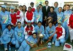 Wasim Akram & Indian women's cricket team with the Asia Cup