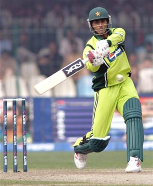 Abdul Razzaq plays a shot