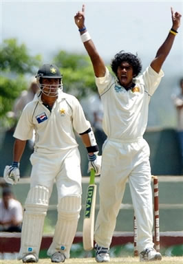 Malinga celebrates the dismissal of Kamran Akmal