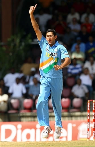 Agarkar celebrates the dismissal of Chattergoon