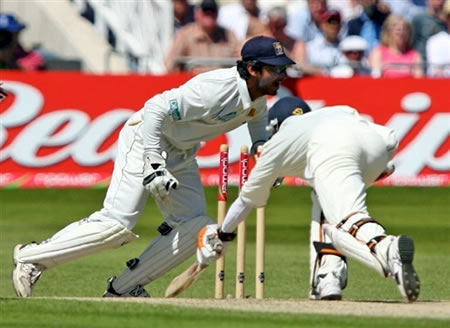 Jones is stumped by Sangakkara